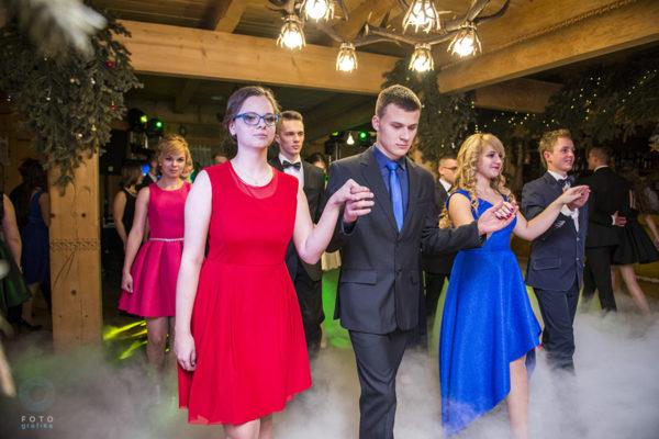 bal, taniec, polonez, dym